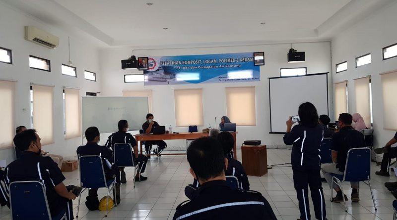 Dr.Eng. Shirley Savetlana, M.Met sebagai Narasumber Pelatihan Komposit, Logam, Polimer dan Keramik di PT DAK Bangka Belitung